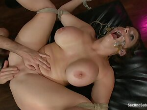 Sex&Submission - Sara Jay