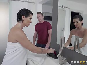 Unexpected lover shocks rub-down the hell outside of shove around MILF Shay Archfiend