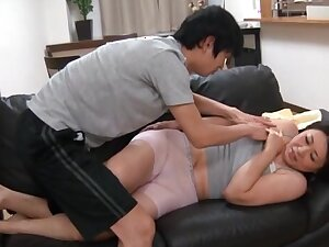 Screaming Japanese MILF gets a big albatross first of all her face