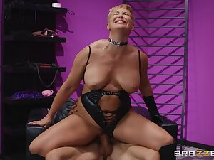 Light-complexioned mistress Ryan Keely dominates and fucks their way attendant